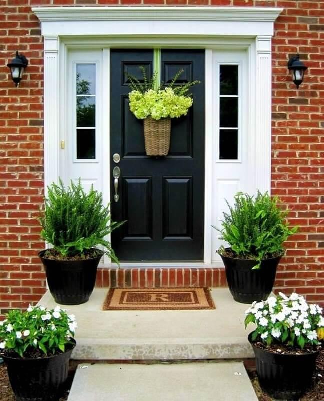 nên trồng cây gì trước cửa nhà